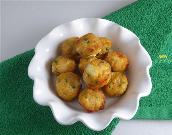 Deep fried dace fish balls unfamiliar china for Chinese fish balls