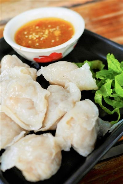 Tender fish dumplings original cantonese recipes chinese fish dumplings served with sesame sauce forumfinder Image collections